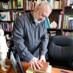 daniel spinato firmando libros